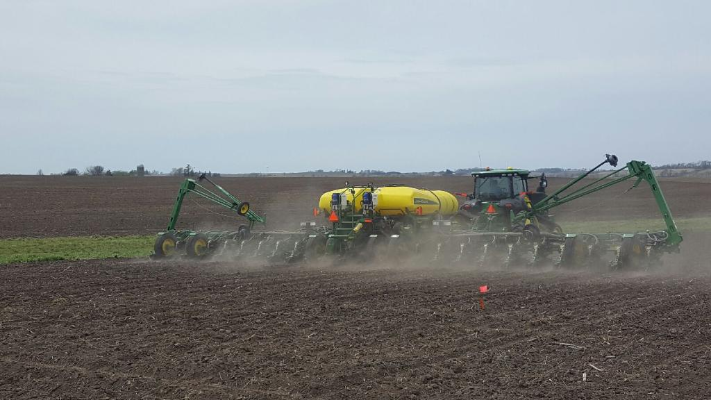 Planting starter fertilizer trials near Traer, IA in the growing season of 2016.